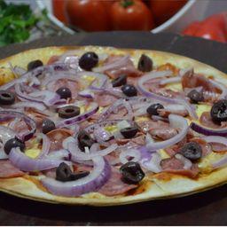 Pizza de Calabresa Defumada Especial