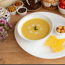Sopa de Mandioquinha com Leite de Castanha