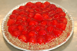 Torta de Morango - peso aprox. 800g
