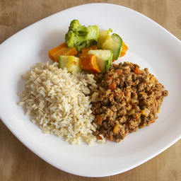 Picadinho de Proteína de Soja com Arroz e Legumes