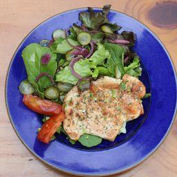 Frango Grelhado com Salada da Casa