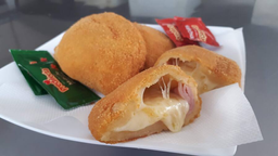 Risoles de presunto e queijo