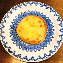 Esfiha aberta de queijo
