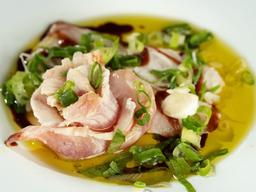Carpaccio de Peixe Branco no Azeite