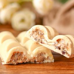 Barra de Chocolate Branco Recheada com Cookies & Cream - 120g