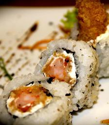 Uramaki Tempura Roll - 10 Peças
