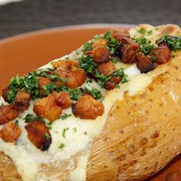 Batata com calabresa e cream cheese