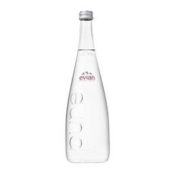 Água francesa sem gás (Evian)