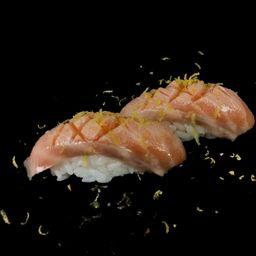 Sushi de Barriga de Salmão - 2 Unidades