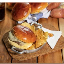Hambúrguer no pão de leite