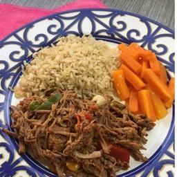 Carne Louca 120g + Arroz Integral 100g + Cenoura 50g