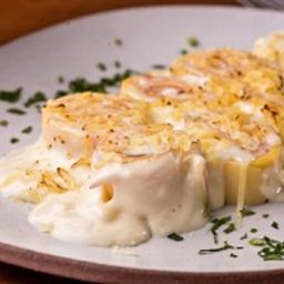 Rondelle de presunto e queijo ao molho branco