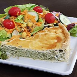Torta salgada espinafre com ricota + salada  160g