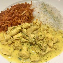 Frango ao Curry  com Arroz e Batata Palha