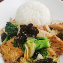 Tofu ao Estilo da Casa com Arroz