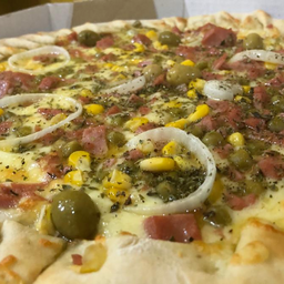 3 Pizzas + Refrigerante Tiss