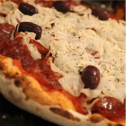 Pizza Calabresa Artesanal