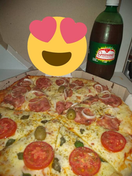Pizza  Muzzarela Metade Calabresa Guarana 1L