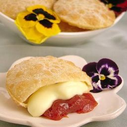 Pastel Queijo com Goiabada