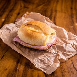 Pão de Sal na Chapa com Presunto e Mussarela