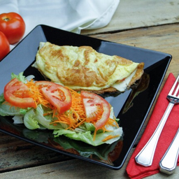 Omelete Com Mini Salada