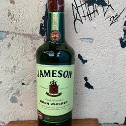 Garrafa de Whiskey Jameson