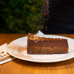 Torta de Caramelo com Amendoim - Fatia 100g