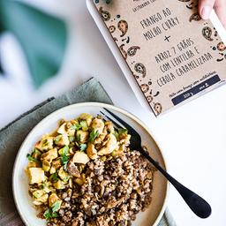 Frango ao Curry + Arroz 7 Grãos, Lentilha e Cebola