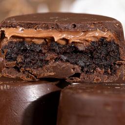 Bombom de Brownie com Creme de Avelã