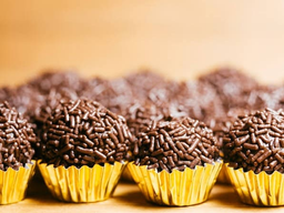 Cento de brigadeiro de chocolate