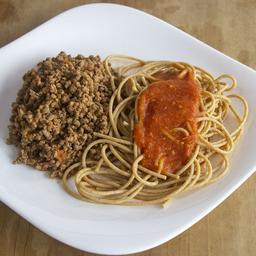 Patinho Moído com Espaguete Integral ao Sugo