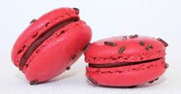 Macaron de Chocolate com Morango