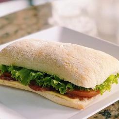 Sanduíche com pão Ciabatta