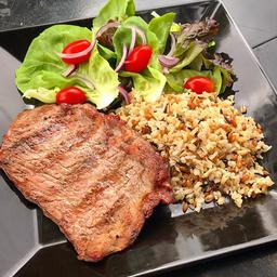 Steak com Arroz 7 Grãos e Salada