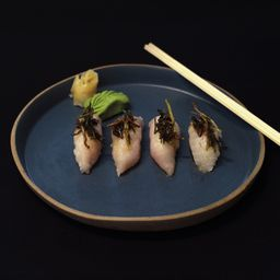 Nig peixe branco com alho-poró