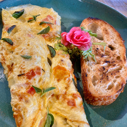 Omelete Caprese