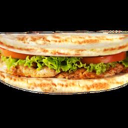 Sanduíche de Frango com Saladas