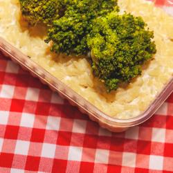 Risotto de Gorgonzola, Brócolis ao Vapor e Batata Palha