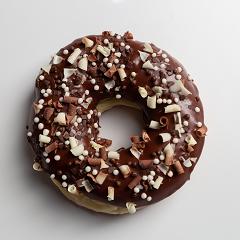 Donuts recheado com brigadeiro preto