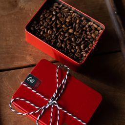 Lata Vermelha com Grão de Café