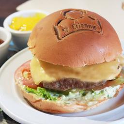 Cheese Burger Salad  (130 G. de Carne)