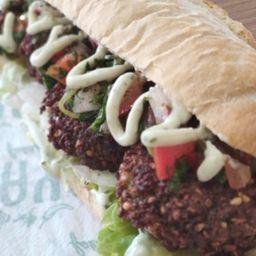 Novo lanche: falafel vinagrete