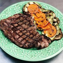 Bife Ancho com legumes grelhados
