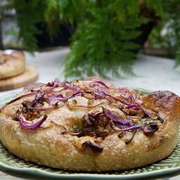 Focaccia de Gorgonzola, Nozes e Cebola Roxa - 550g