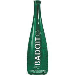 Água francesa com gás (Badoit)