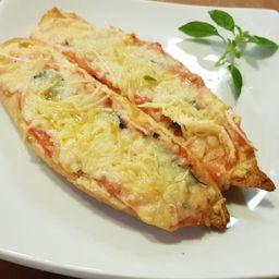 Pão Canoa Italiano e Uma Bebida