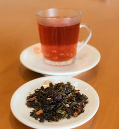 Chá Verde Com Frutas Vermelhas