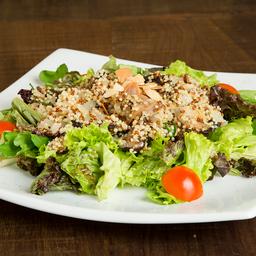 Salada de quinoa + bebida