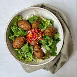 Salada Falafel