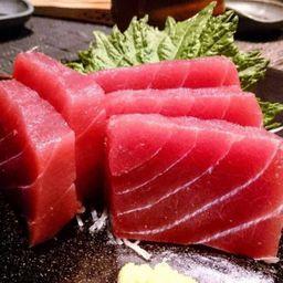 Sashimi Atum Corte Oriental